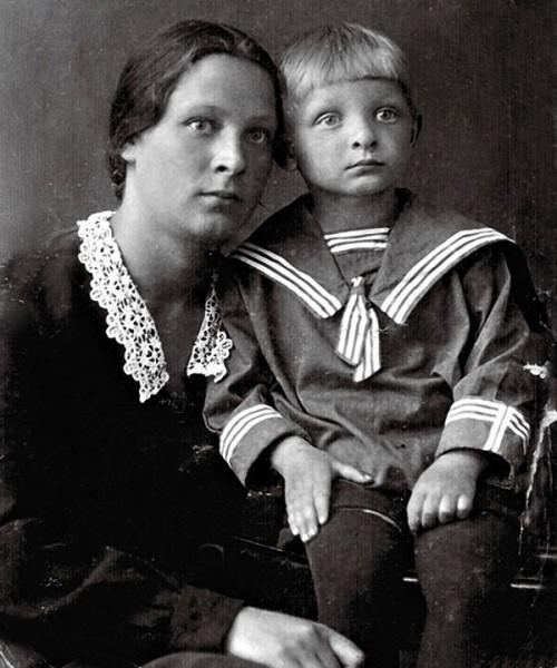 Эдик Хиль с мамой Еленой Павловной