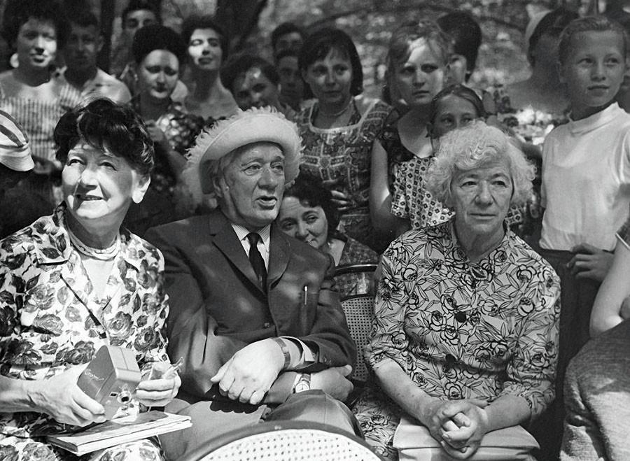 Рина Зеленая и Корней Чуковский, 1960 год