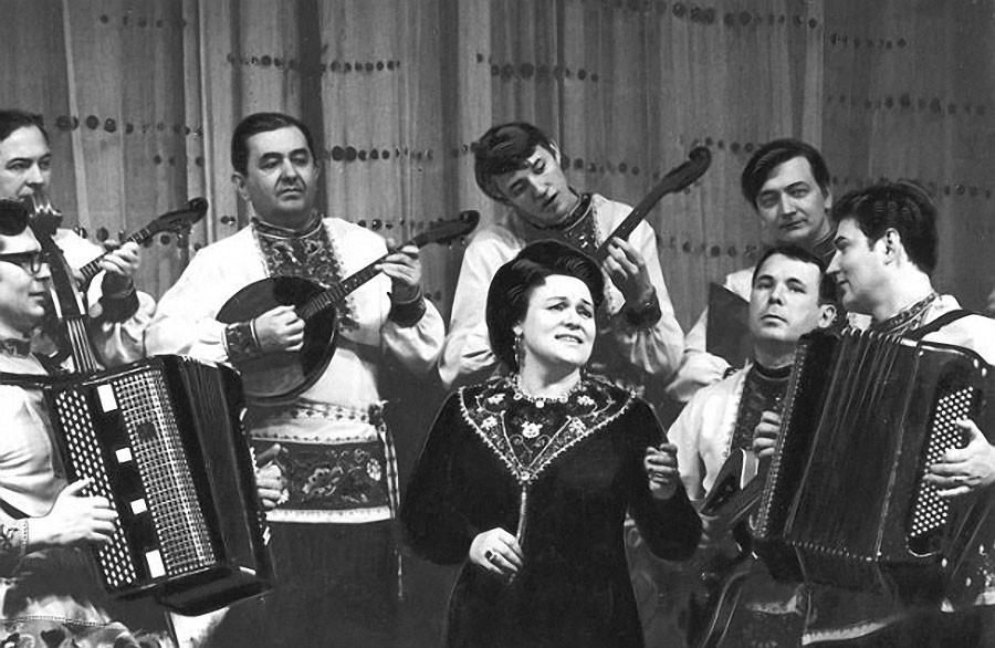 Битлз на народных инструментах