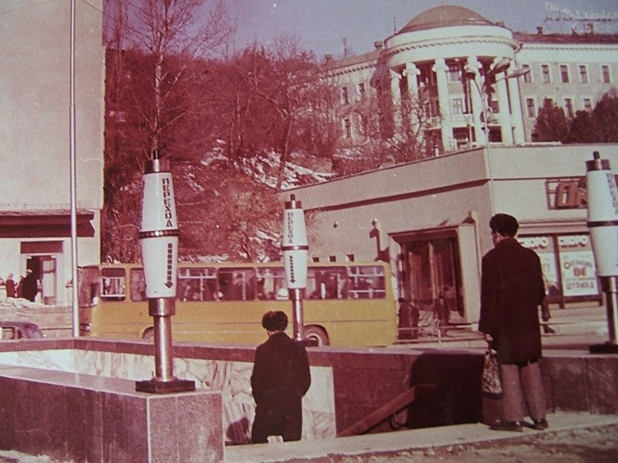 70-е Подземный переход на Октябрьской площади