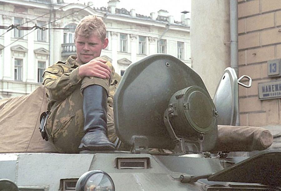 Военная техника на улицах столицы