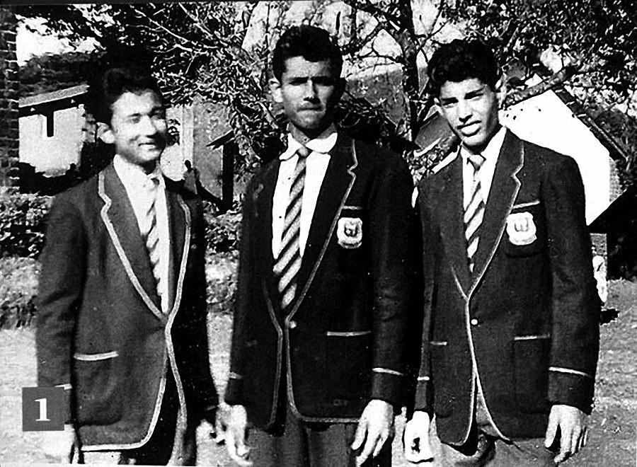 Фаррух Булсара с одноклассниками