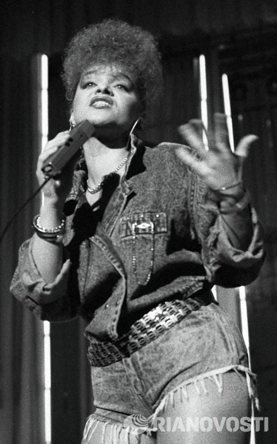 Лариса Долина  1989 год