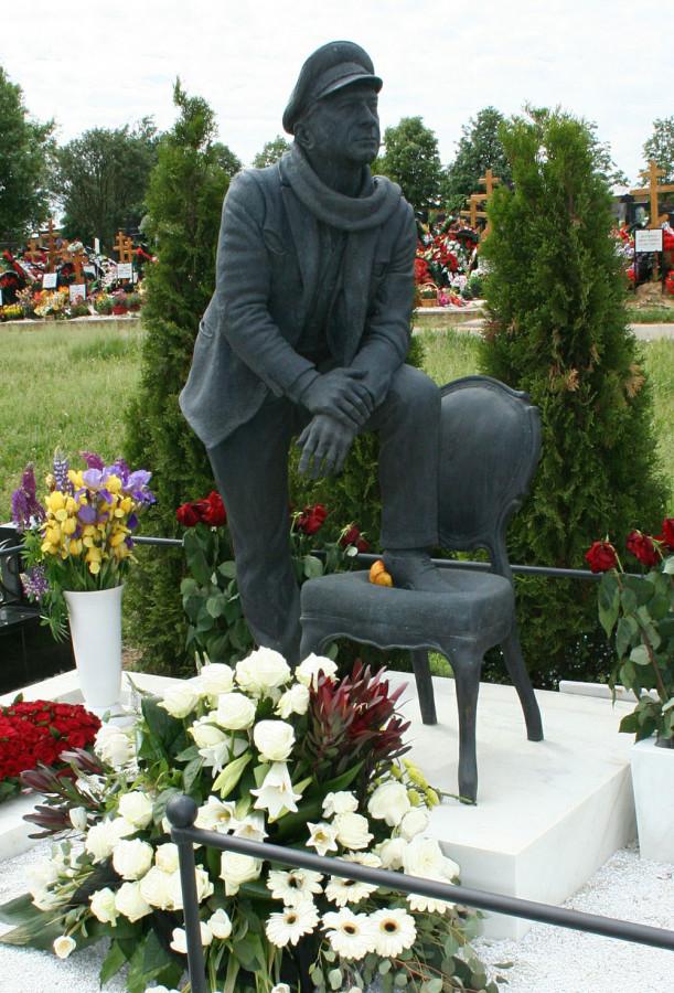 11 Могила Арчила Гомиашвили на Троекуровском кладбище