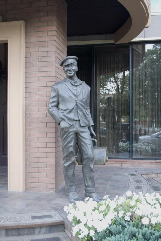 20 Памятник_Остапу_Бендеру_(Краснодар)