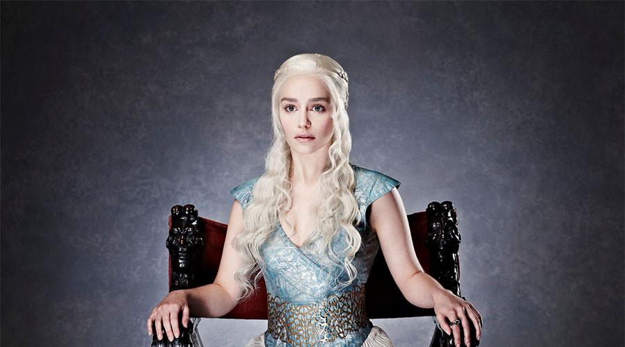 """Эмилия Кларк на съёмках седьмого сезона """"Игры престолов""""."""