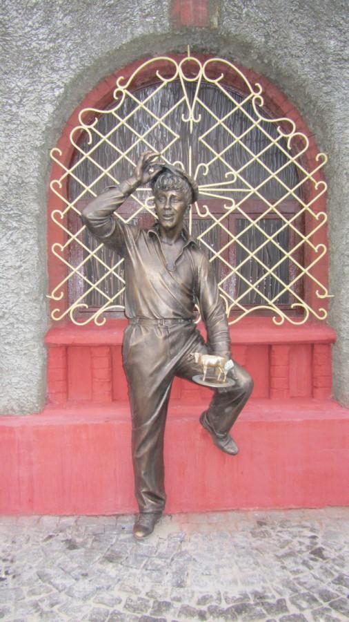 37 Памятник Балаганову в Бобруйске