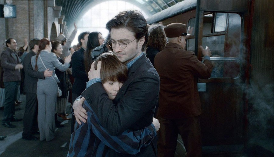 """Из """"Гарри Поттер и проклятое дитя"""" сделают новую кинотрилогию"""