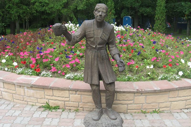 42 Памятник Балбесу в Череповце