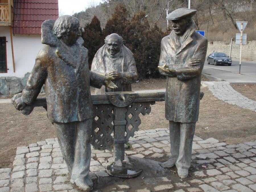 54 Памятник персонажам фильма «Мимино» в Дилижане