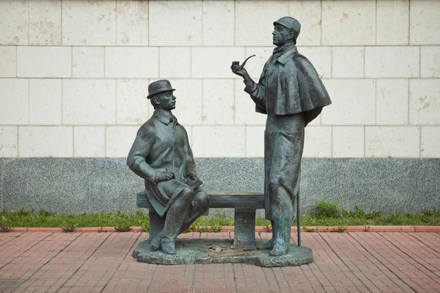 58 Памятник Василию Ливанову (Шерлок Холмс) и Юрию Соломину (Доктор Ватсон) в Москве