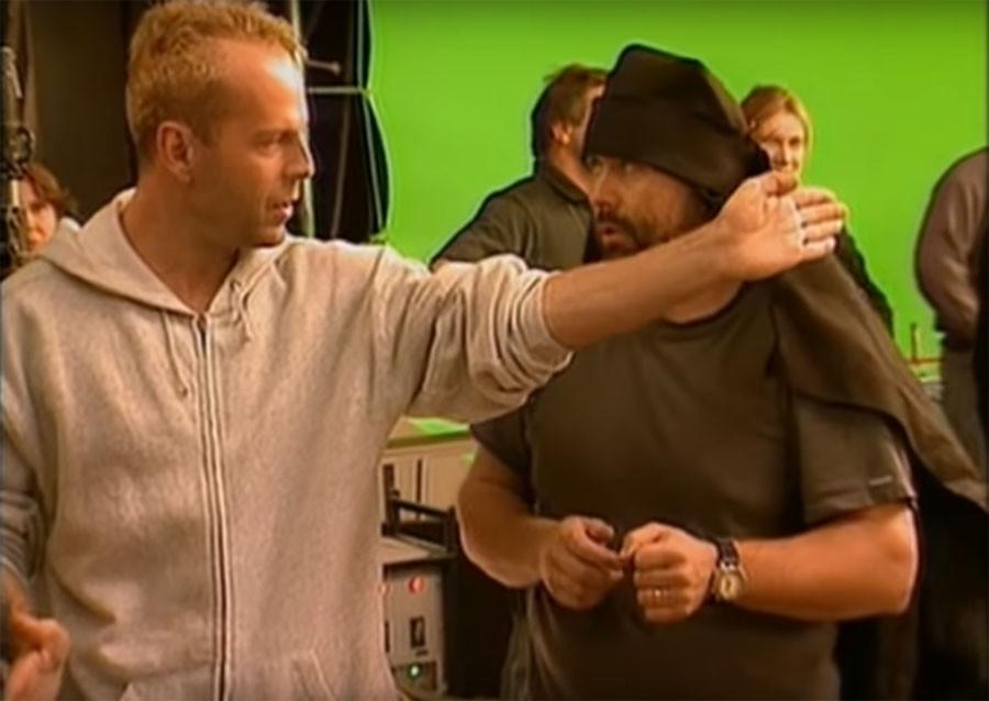 Почему Брюс Уиллис снялся в Пятом элементе в роли Корбена Далласа 103