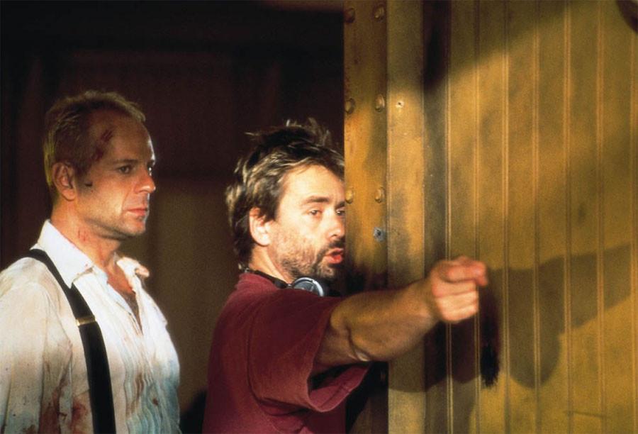 Почему Брюс Уиллис снялся в Пятом элементе в роли Корбена Далласа 002