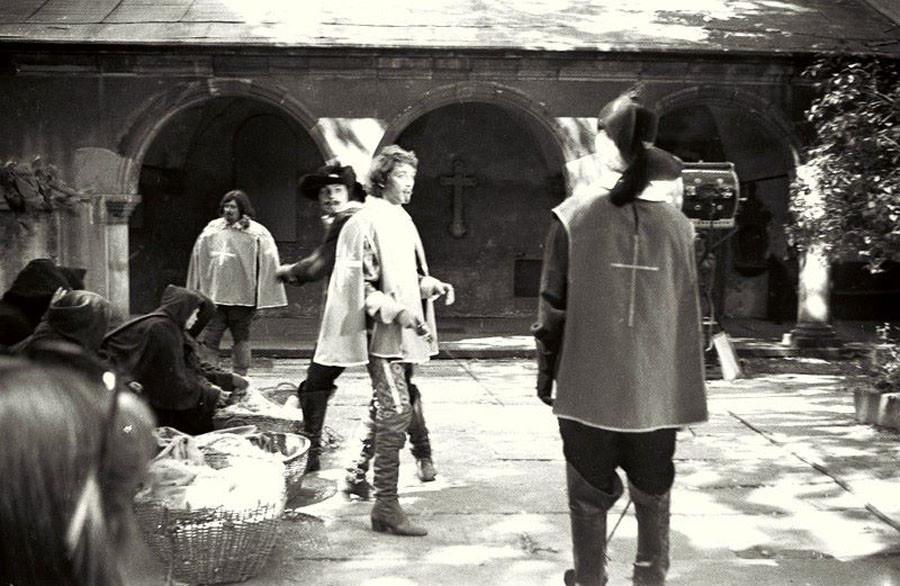 Сцена в монастыре  Дешо