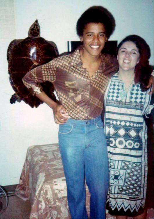 302 Барак Обама с матерью