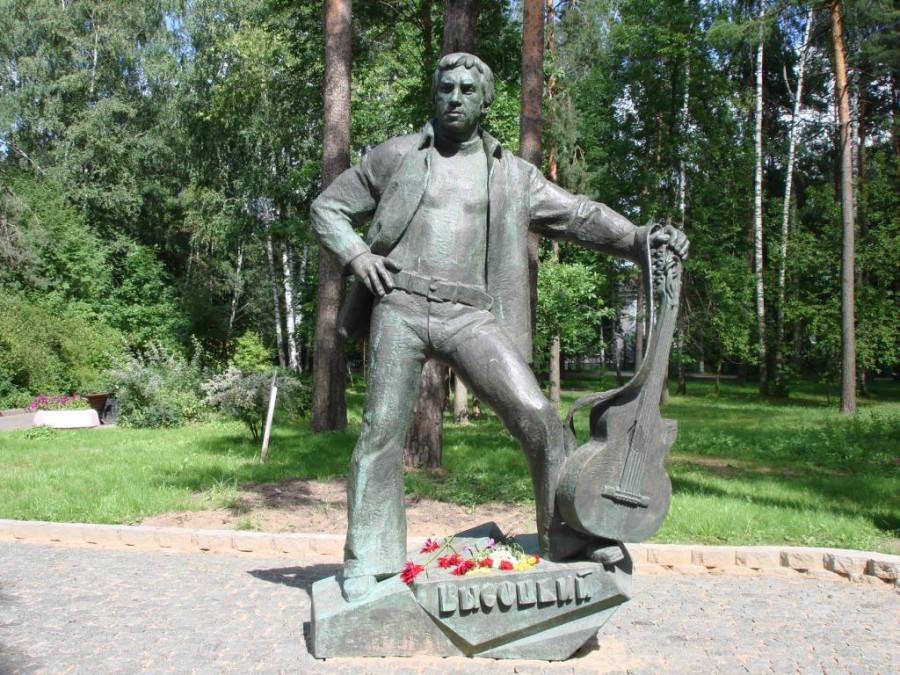 64 Памятник_Высоцкому_(Дубна)