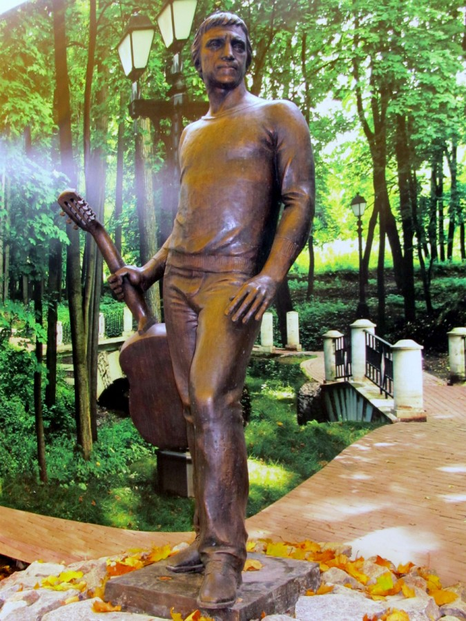 91 Скульптура Владимир Высоцкий в Харькове