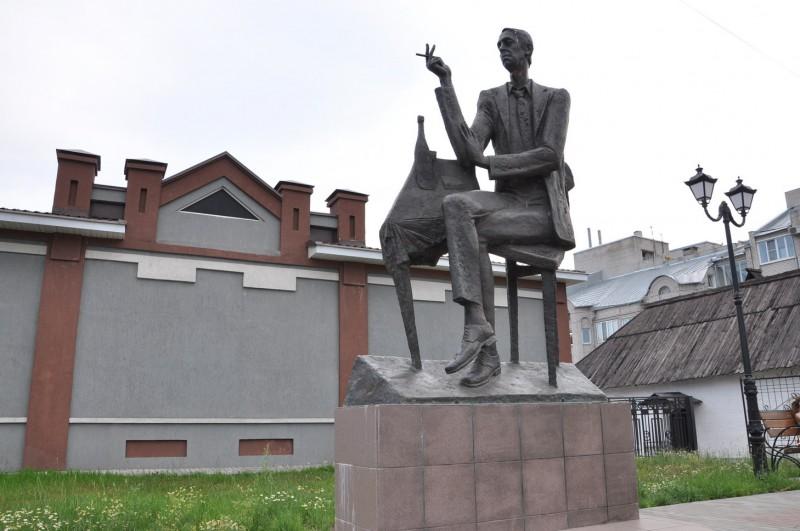 132 памятник Аркадию Северному в г. Иваново