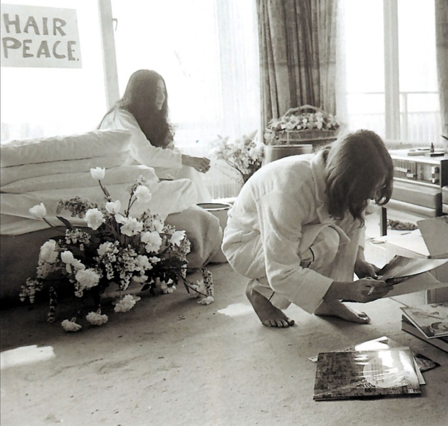 437 John & Yoko - Bed Peace - Hair Peace - 1969