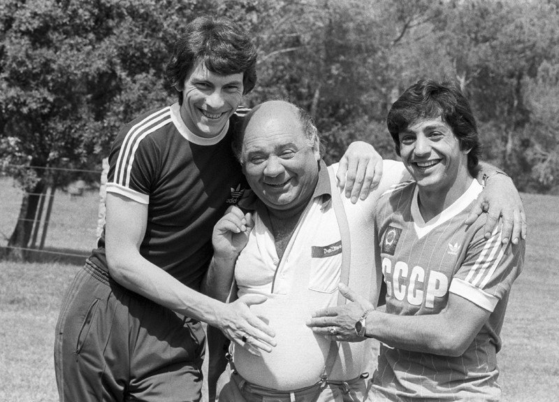 Ринат Дасаев, Евгений Леонов и Хорен Оганесян, 1982.jpg