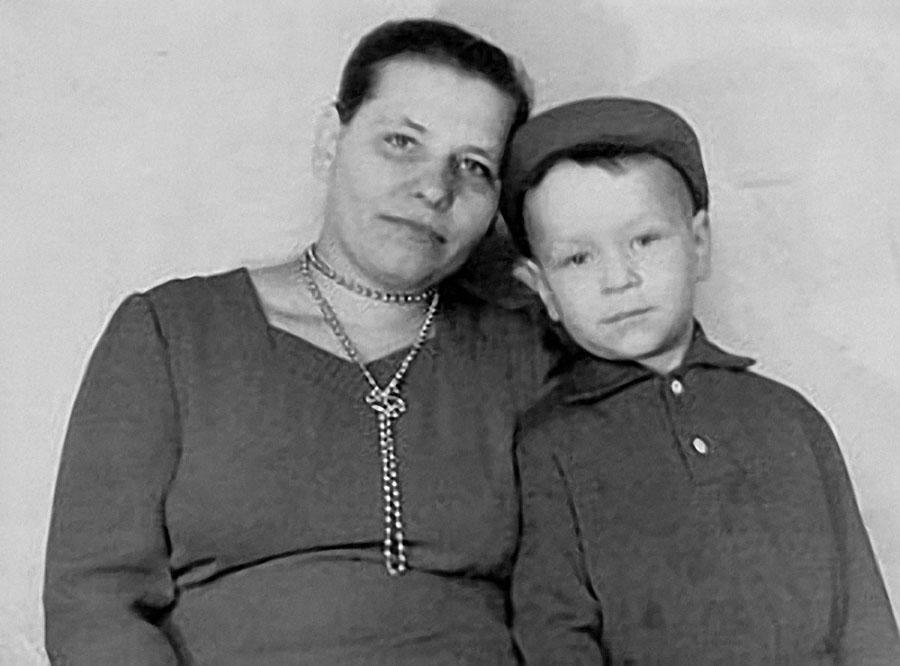 Илья Резник биография