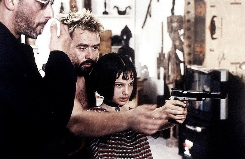 !Жан Рено, Люк Бессон и Натали Портман на съёмках фильма «Леон».jpg
