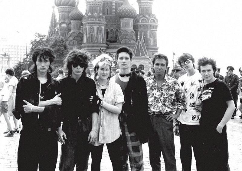 022 ! В. Цой, Ю. Каспарян, Д. Стингрей, Г. Гурьянов, С. Курёхин, С. Бугаев, И. Тихомиров, 1986 г.jpg