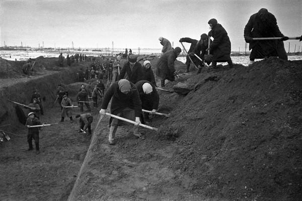 Александр Устинов. Оборона Москвы. 1941.jpg