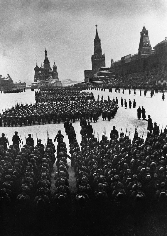 Аркадий Шайхет. На фронт. 1941.jpg