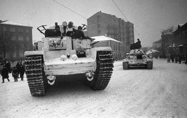 Александр Устинов. Оборона Москвы, 1941.jpg