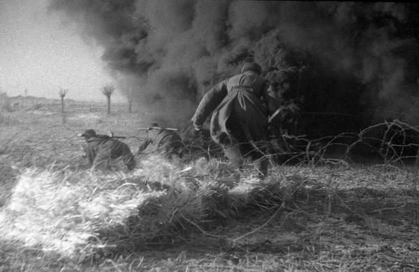 Михаил Савин. Бой. Восточная Пруссия, 1945.jpg