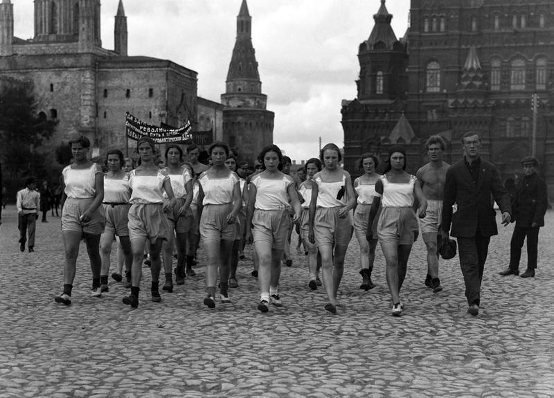 Девушки физкультурницы. 1924 г.jpg