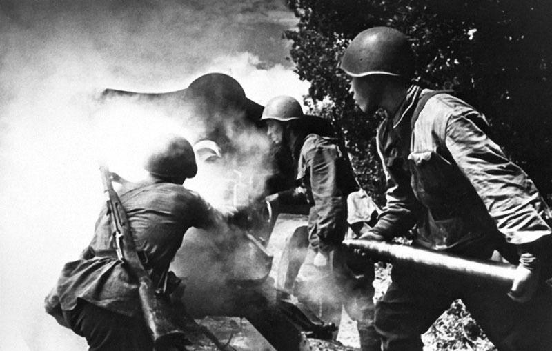 22 Огонь.  1942.jpg