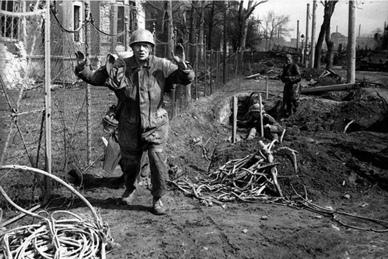27 На подступах к Берлину. 1945 г..jpg