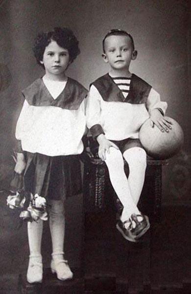 184 Леонид Гайдай с сестрой Августой.jpg