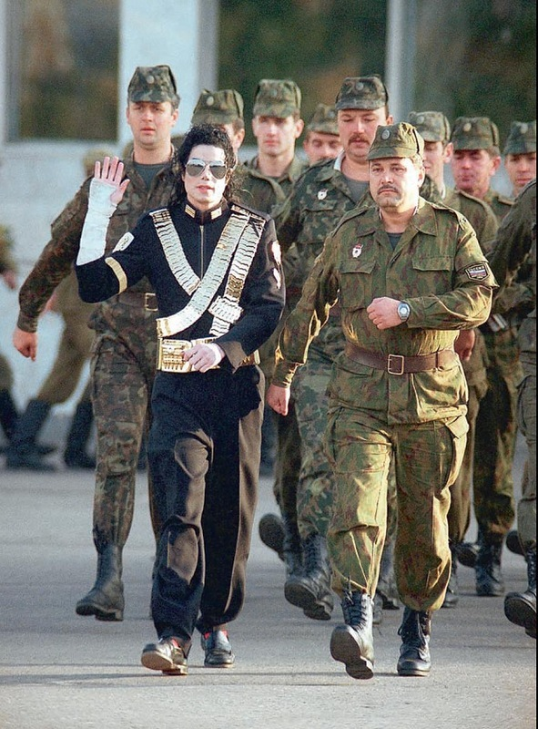 591 Майкл  Джексон 1993 г.jpg