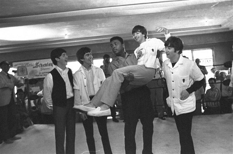 592 The Beatles  и Мухамед Али.jpg