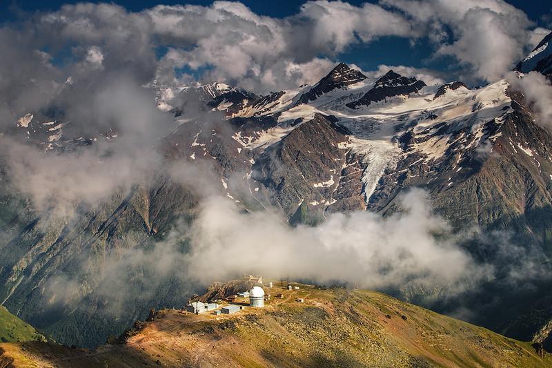 Королевство Терскол. Большой и малый Когутай. Обсерватория Пик Терскол.jpg