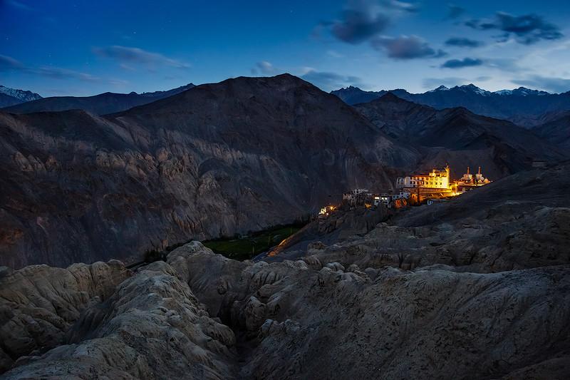 Монастырь Ламаюру в Ладакхе.jpg