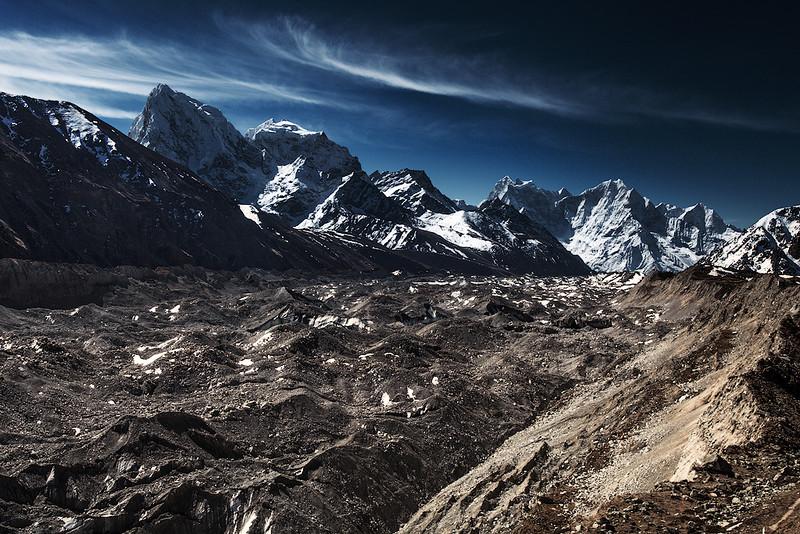 Пик Чоладзе и ледник Нгозумба.jpg