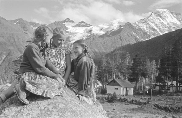 Приэльбрусье. Автор Волков Эрвин, 1957.jpg