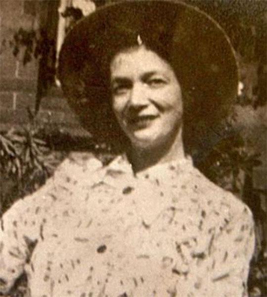 Мать Джона Леннона - Джулия Леннон.jpg