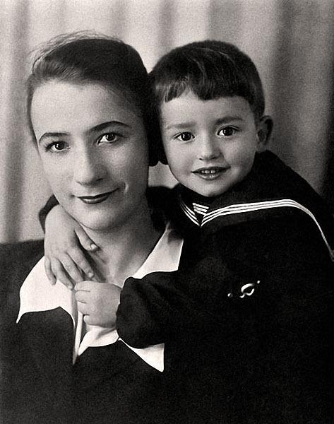 Саша Градский с мамой Тамарой Павловной.jpg