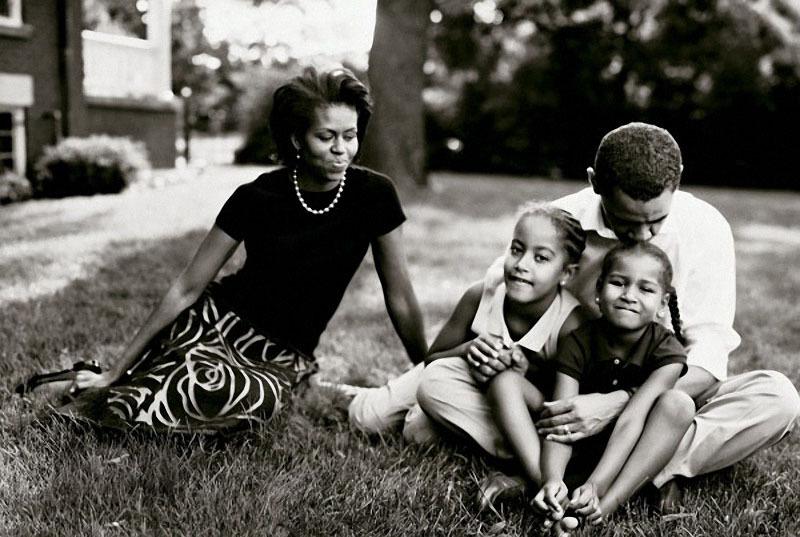 1209 Барак Обама с семьёй.jpg