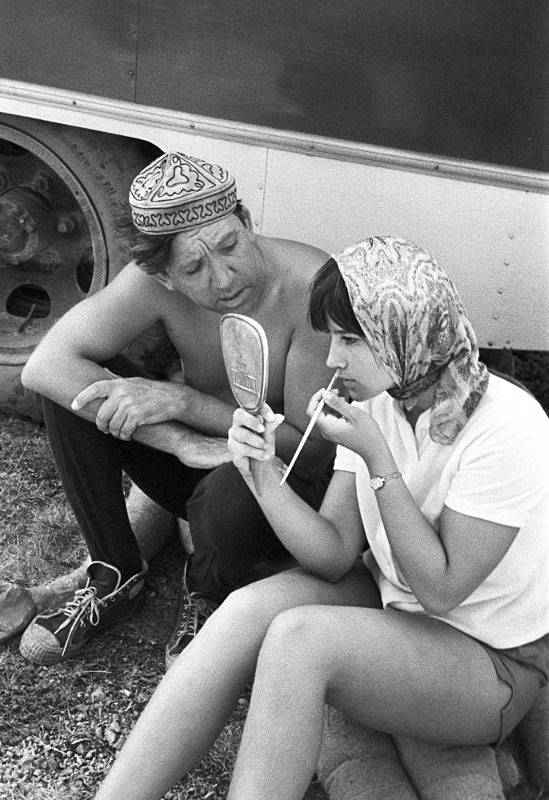 Юрий Никулин и Наталья Варлей на горе Ай-Петри перед началом съемки фильма «Кавказская пленница». Крым, 1966 год.jpg