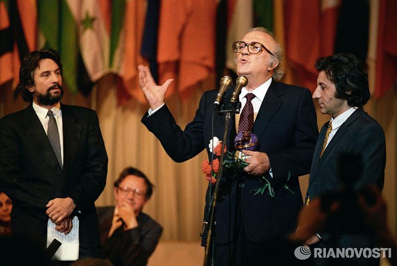 Москва 1987 Роберт Де Ниро и Федерико Феллини.jpg