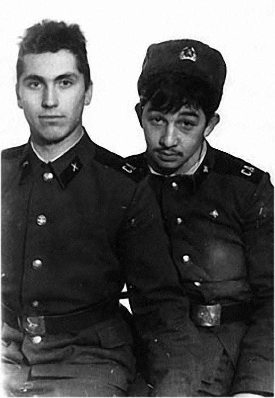 Николс и Федя в Армии.jpg