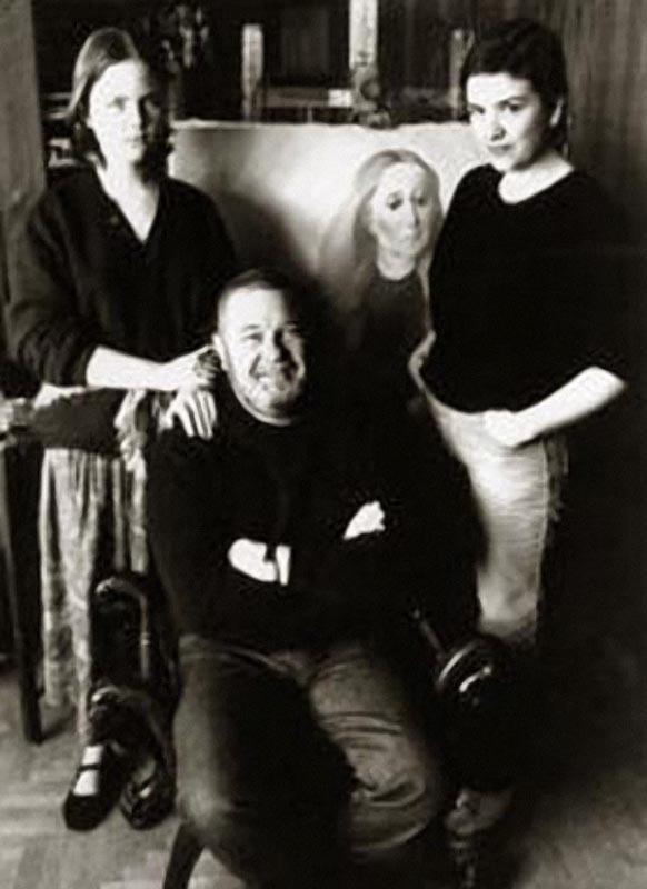 1189 Юлиан Семенов с дочерьми Дарьей и Ольгой 1985 год.jpg