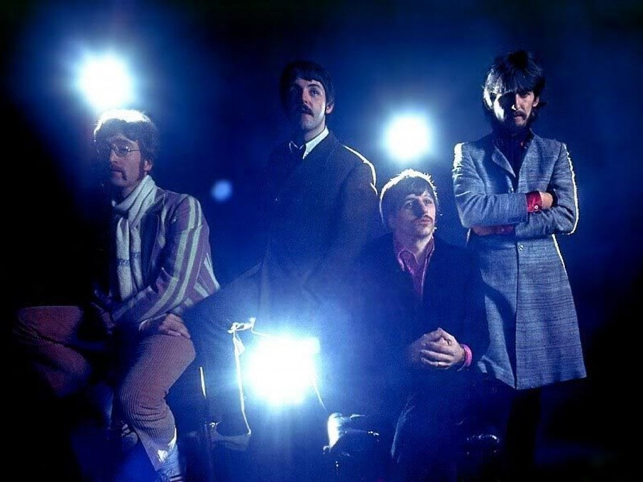 418 THE BEATLES - 1967