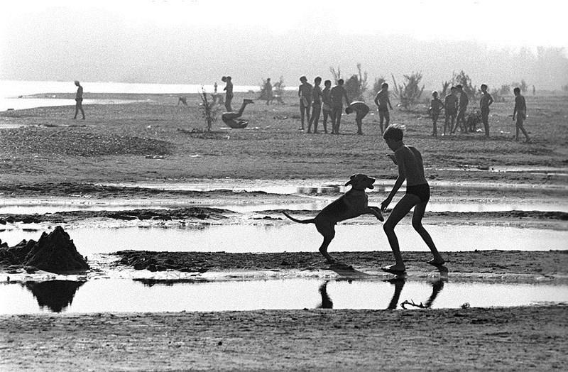Александр Гращенков «Утро на пляже». Башкирия. 1978 год.jpg
